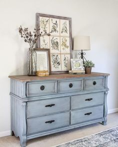French Blue Dresser Makeover Fusion Mineral Paint in Champness and Homestead House Wax in Espresso. Refurbished Furniture, Farmhouse Furniture, Repurposed Furniture, Vintage Furniture, Rustic Furniture, Painted Bedroom Furniture, Vintage Dressers, Blue Distressed Furniture, Diy Dressers