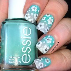 Here's a solo shot of my mani swap that I did with @alondralovespolish. I recreated her gradient + dotted flowers from about 2 months ago. Alondra used acrylic paints and little silver studs from Born Pretty. I didn't have those so I improvised. Gradient base is @essiepolish Where's My Chauffer & Cult Nails Faded. Flowers are WetnWild Blank Canvas and Bonita Colors Silver. I had a lot of fun doing these! Thanks again Alondra.
