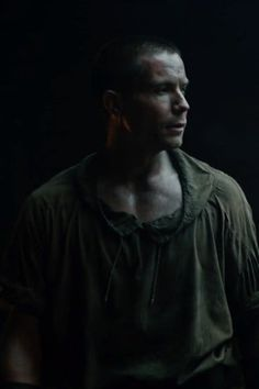 Game of Thrones: How Gendry Learns He's Robert Baratheon's Son, and Why It's Important Gendry Game Of Thrones, Game Of Thrones Books, Game Of Thrones Facts, Game Of Thrones Quotes, Game Of Thrones Funny, King Robert Baratheon, Game Of Thrones Wallpaper, Joe Dempsie, The Last Kingdom