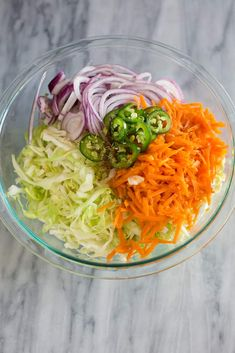 Easy Curtido Recipe (Salvadoran) - Tastes Better from Scratch Fermented Cabbage, Pickled Cabbage, Cabbage Slaw, Cabbage Recipes, Mexican Food Recipes, Ethnic Recipes, Honduran Recipes, Salvadoran Food, Vegetables