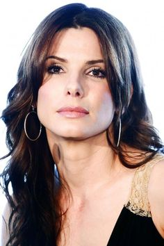 would you say Her and I have the Same Jawline? we both have the Same chin. ^_^ Sandra Bullock hairstyles model