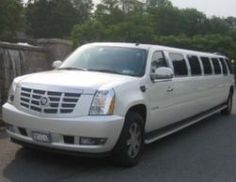 Would you like to arrive somewhere in style? Do you have a wedding or a prom coming up? Consider the prestige of showing up at your destination. Limo, The Prestige, Nyc, Transportation, Reading, Books, Travel, Style, Livros
