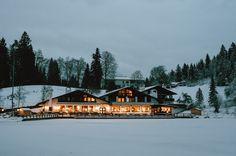 Laura Elena Photography » Laura Elena ♡ Hochzeits- und Paarfotografie   München – Oberbayern » N + B   verschneite Winterhochzeit am Riessersee