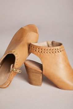 88f44f592e Slide View: 4: Anthropologie Woven Detail Shooties Couleur, Chaussures De  Sport Mignonnes,
