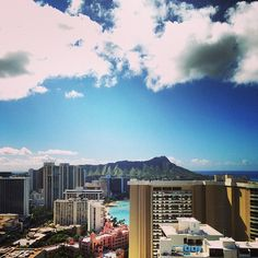 A different view of Waikiki. Photo courtesy of kkinhnl on Instagram.