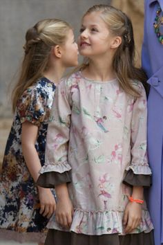 Spanish Princess Sofia (L) and Princess Leonor (R) attend the 2014 Easter Mass at the Cathedral of Palma de Mallorca in Spain