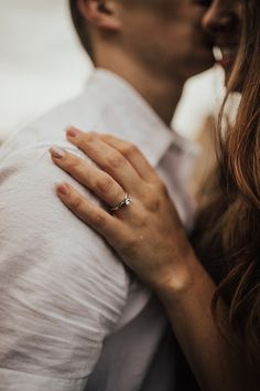 If you want intimate diamond photos, think carefully about this placing, this light, clothes, as Engagement Ring Photography, Engagement Photo Poses, Couple Photography Poses, Engagement Couple, Engagement Pictures, Engagement Shoots, Country Engagement, Fall Engagement, Wedding Fotos