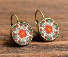 2016 Mandala Flower Earrings Gifts For The New Year Vintage Handmade Henna Glass Cabochon Stud Earrings Women Jewelry From India Flower Earrings, Women's Earrings, Crochet Earrings, London Souvenirs, Flower Mandala, Earrings Handmade, Women Jewelry, Bronze, Pendant