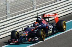 Max Verstappen Toro Rosso Abu Dhabi test Nov 2014