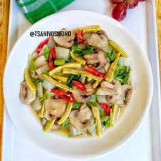 Resep cah sayur enak Instagram/@susie.agung Vegetable Dishes, Vegetable Recipes, Vegetarian Cooking, Cooking Recipes, Malay Food, Asian Recipes, Ethnic Recipes, Indonesian Food, Indonesian Recipes