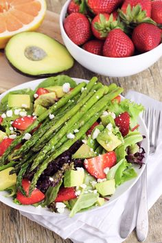... Asparagus, Avocado, and Strawberry Salad with Grapefruit Vinaigrette