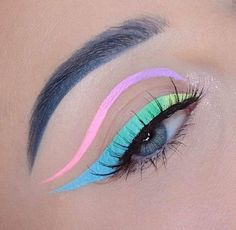 eyeliner yellow - eyeliner yellow _ eyeliner yellow make up _ yellow eyeliner looks _ neon yellow eyeliner _ yellow eyeliner makeup _ yellow eyeliner dark skin _ black and yellow eyeliner _ yellow eyeliner makeup looks Makeup Eye Looks, Eye Makeup Art, Colorful Eye Makeup, Cute Makeup, Pretty Makeup, Makeup Inspo, Makeup Inspiration, Makeup Hacks, Makeup Tips
