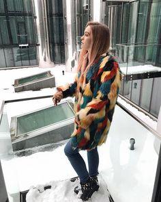 When you get to your hotel room and discover you have a balcony with the coolest view - photo time it is!  Thank you @luxexpressgroup for the coolest weekend!! To see what we were up to yesterday check out my highlights from this trip  #luxexpress  Kad Tu aizej uz savu viesnīcas numuriņu un atklāj ka Tev ir balkons ar rīīktīgi labo fonu - nekavējoties jāsabildējas  Paldies @luxexpressgroup par kolosālajām brīvdienām! Kā mums vakar gāja vari noskatīties manos highlights  #luxexpress…