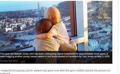 Foto de 2 crianças com câncer abraçadas viraliza e comove redes sociais - Notícias - R7 Saúde