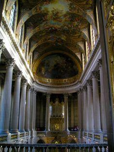 Una vez en París y porque ya en otras ocasiones lo había desechado, tenía claro que sí o sí, de esta vez me iba a acercar a ver el Chateâu de Versailles o Castillo de Versalles. Declarado Patrimonio Mundial de la Humanidad, es una de las más grandiosas manifestaciones del arte francés del s. XVII. Lo cierto es que París, ha sido exponente de la mejor arquitectura del mundo y …
