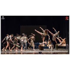 """aspettando la nuova edizione de """"Il Palco dei Talenti"""" che si terrà il 23 aprile al Teatro Tenda di Ragusa vi propongo un gruppo di contemporanea della scorsa edizione. Titolo coreografia: """"1945"""""""