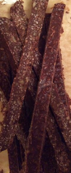 Peppermint Chocolate Sticks (paleo, gluten, dairy, refined sugar free) - Living Healthy With Chocolate: Paleo and Gluten-free dessert recipes Cocktail Desserts, Raw Desserts, Paleo Dessert, Gluten Free Desserts, Dairy Free Recipes, Real Food Recipes, Dessert Recipes, Peppermint Chocolate, Peppermint Cookies