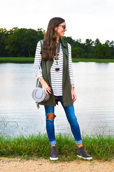 lcb style fashion blogger vince newlyn sneaker twine and twig chloe marcie trench vest