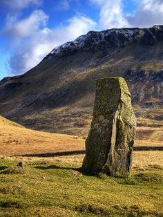 Standing Stone Llynnau Cfegnnen, Snowdonia, Wales