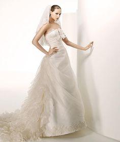 ¡Nuevo vestido publicado!  Manuel Mota para Pr mod. Sants ¡por sólo 1500€! ¡Ahorra un 58%!   http://www.weddalia.com/es/tienda-vender-vestido-novia/manuel-mota-para-pr-mod-modelo-sants/ #VestidosDeNovia vía www.weddalia.com/es