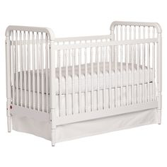 The Liberty Crib -- looks like a heirloom piece but it's brand new so meets all the safety standards that are so important to new moms #serenaandlilystyle