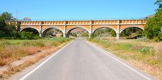 Puente de Perera, sobre la antigua carretera. Acueducto. Canal de Aragón y Cataluña. San Esteban de Litera (Huesca), La Litera, Aragón, Spain.
