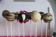 Wedding Cake Pops | MakeUrCake