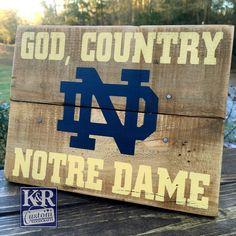 Notre Dame Fighting Irish Distressed Wood Sign by wintermountain ...