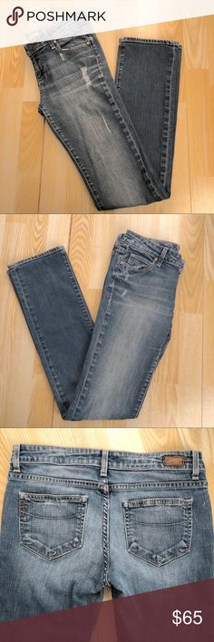 "Paige Premium Denim - Size 25 - Jimmy Jimmy Paige Premium Denim - Size 25 - Jimmy Jimmy  - used, in good condition  - tailored boyfriend jean - fit at the hips - relaxed through the thigh and leg - approx. 33.5"" inseam - approx. 8"" rise (front) Paige Jeans Jeans Boyfriend"