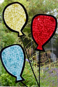 Balloon Stained Glass Window - A super cute craft for kids. Great for classroom windows or for birthday parties.