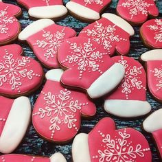 Salmon – An Affordable Luxury Christmas Sugar Cookies, Christmas Sweets, Holiday Cookies, Christmas Baking, Gingerbread Cookies, Iced Cookies, Cupcake Cookies, Ginger Bread Cookies Recipe, Holiday Cookie Recipes