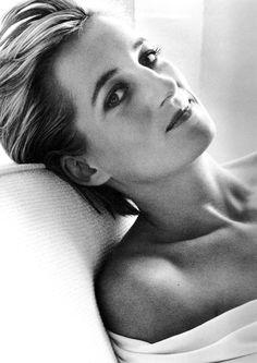 Vanity Fair July 1997  Princess Diana by Mario Testino