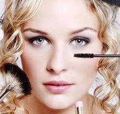 Résultats Google Recherche dimages correspondant à http://www.mademoiselle-dentelle.fr/wp-content/uploads/2012/11/maquillage-mariage-269x256.jpeg