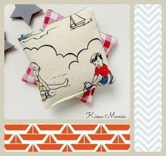 Bouillottes sèches de poche, aux graines de lin BIO, tissu motif vintage petits enfants à la plage, années 50.