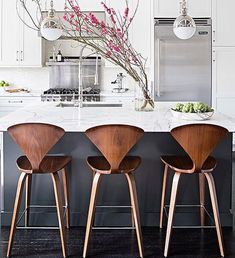 Modern Kitchen Design 10 Best Modern Counter Stools - Thorough round up of the 10 best modern counter stools around. Find a perfect match for your decor in any price point with this great resource. Modern Counter Stools, Kitchen Stools, Modern Stools, Counter Tops, Modern Bar, Contemporary Bar Stools, Kitchen Lamps, Counter Space, Grey Kitchen Designs