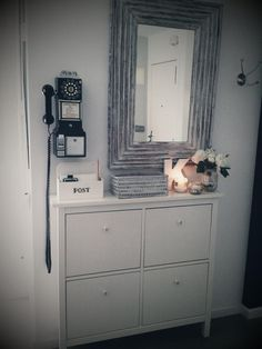 Want the phone Hallway Inspiration, Decor Inspiration, Decor Ideas, Boho Deco, Decoration Entree, Leather Design, Double Vanity, Interior And Exterior, Living Room Decor