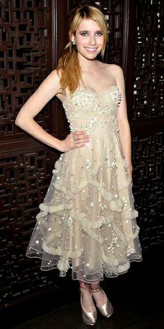 emma roberts abiye - gece kıyafeti- davet- uzun elbise- nişan- düğün kına-  söz- koktey- kısa elbise