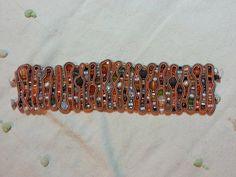 Bracciale morbido in soutache e cristalli di ManiCreazioni su Etsy