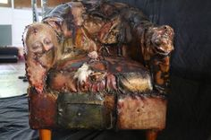 Ed Gein møbler - Michael Kamp Famous Murders, Haunting Photos, Creepy Photos, Horrible Histories, Texas, Scary Stories, Cool Chairs, Serial Killers, Art World