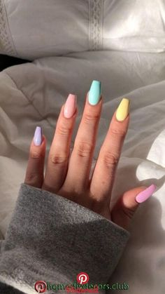 70 Coffin Nails to Flip For in 2020 Just recently we discussed different nail shapes. Here let's focus on one particular shape - coffin, aka ballerina nails. Coffin nails are great for all fashion Acrylic Nails Coffin Short, Simple Acrylic Nails, Best Acrylic Nails, Summer Acrylic Nails, Pastel Nails, Pastel Blue Nails, Blue Coffin Nails, Coffin Acrylics, Bright Nails