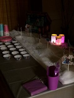 Frozen cupcake table ambience