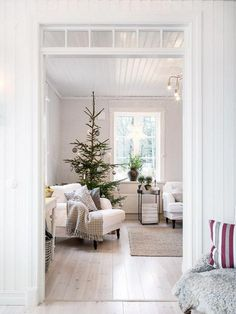 Made In Persbo: Naturligt pyntat Christmas Time Is Here, Cozy Christmas, Swedish Christmas, Christmas Decor, Xmas, Interior Design Living Room, Living Room Designs, Welcome To My House, Christmas Interiors