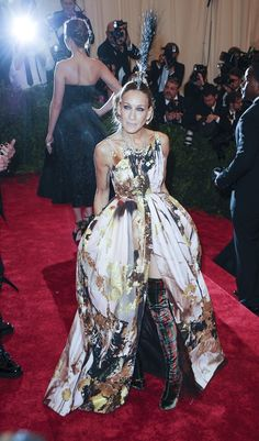 Sarah Jessica Parker in Giles Deacon at the MET Gala 2013. Belatedly, I can get behind the dress. I thought it was a little too rococo to be punk but the boots changed all that. Go SJP.