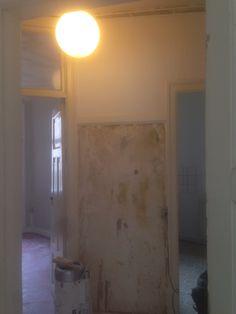 Væg til køkken skal rives ned