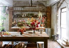 Glamor in Greenpoint: A Studio Visit with Florist Amy Merrick Gardenista