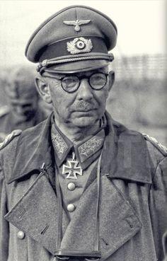 ✠ Werner Kempf (March 9th, 1886 - January 6th, 1964) RK 03.06.1940 Generalleutnant Kdr 6. Pz.Div 10.08.1942 [111. EL] General der Panzertruppe K.G. XXXXVIII. Pz.K. OMB Königl. Dekret Nr. 3251 / 06.11.1942, Gen. d. Pz.Tr., K.G. XXXXVIII. Pz.K.