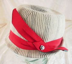 Fabulous Vintage Women's SCHIAPARELLI Paris Felt Fedora Hat W/ Original Hat Box