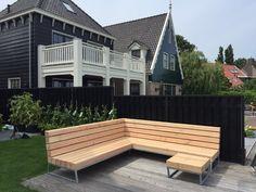 Zoekt u een hoek loungebank voor in de tuin met een uniek design? Zoek dan niet verder en koop een stoere tuin loungebank van Houtkwadraat