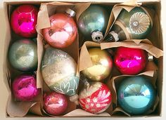 Nest by Tamara: Holiday Decorating Tips & Tricks Aqua Christmas, Antique Christmas, Vintage Christmas Ornaments, A Christmas Story, Winter Christmas, Christmas Bulbs, Christmas Decorations, Merry Christmas, Holiday Decorating