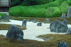 秋以外は閑散としてる、そんな時期の東福寺が好き。さっかくの名庭園を独り占めできるから。 2016.7.24  #京都 #kyoto #光明院 #東福寺 #tofukuji #伏見 #日本庭園 #japanesegarden #garden #枯山水 #重森三玲 #ぶらり京都撮影部 #beautifulkyoto #ig_japan  #ig_nihon #fujifilm #xm1